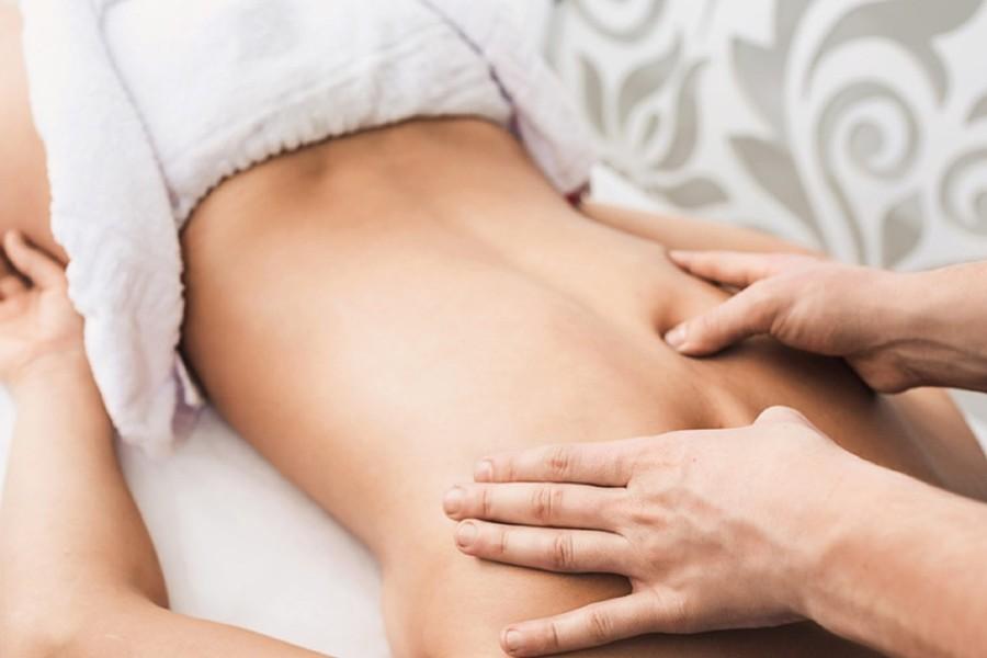klientka w trakcie masażu